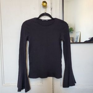 ZARA Ribbed L/S top with bell sleeves